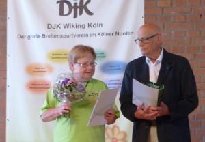 Katharina Knapp und Herbert Hupperich erhielten die silbernen DJK-Ehrenzeichen