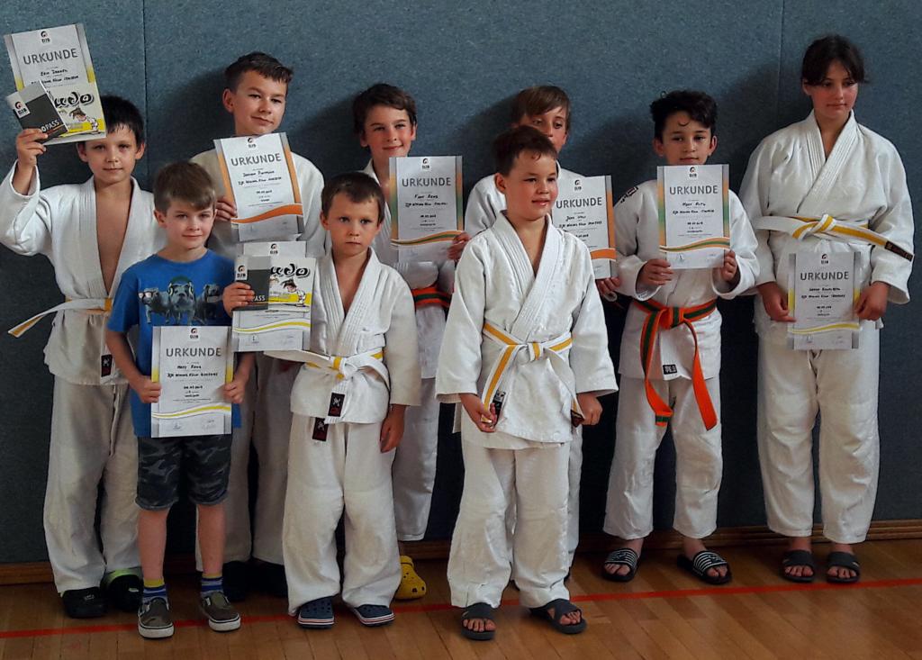 Judo_2018_07_Prüflinge1